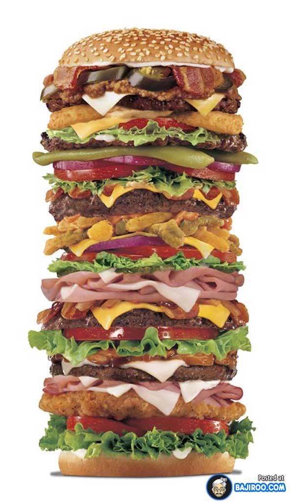 Hmm, sepertinya nggak bisa deh makan nih burger dengan sekali gigitan.