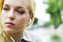 10 Lagu Ini Bikin Nangis Orang Yang Lagi Galau