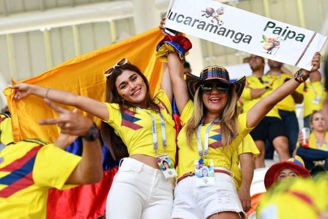 Suporter cantik kolumbia, nggak tua nggak muda sangat semangat mendukung timnas negaranya