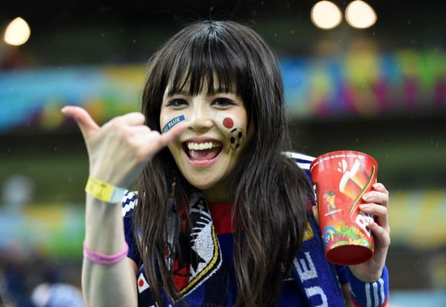 Cewek Cantik asal Jepang ini sangat semangat membela Timnas Jepang saat berlaga di Piala Dunia 2018