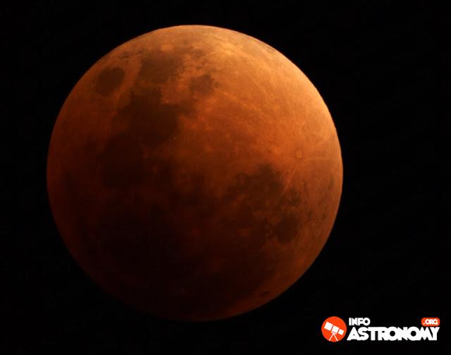 28 Juli 2018 - Gerhana Bulan Total Indonesia cukup beruntung karena berada disisi malam Bumi saat gerhana bulan ini terjadi, sehingga kita bisa mengamatinya dengan leluasa.