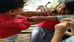 2 anak perempuan Tarung Bebas lucu sampai Jambak jambakan baju
