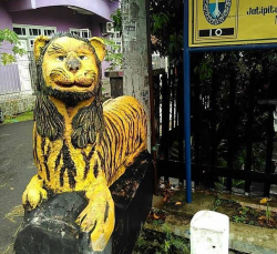 Cuma di Indonesia Ada Patung Macan yang Uniknya Kaya Gini