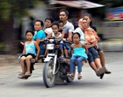 Kumpulan Foto Boncengin Anak yang Isinya Greget Abis
