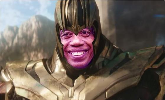 Simsalabim, Pak Tarno berubah jadi Thanos. Kalau digabung namanya jadi Tharnos tuh gengs.
