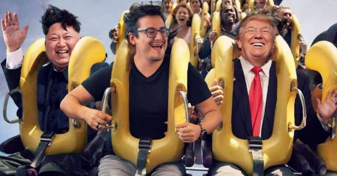 Senangnya bisa sederet bareng Kom Jong Un dan Donald Trump saat naik roller coaster.
