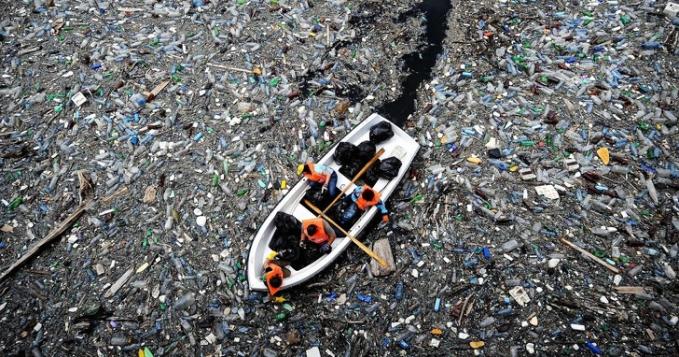 Ini adalah potret penumpukan sampah yang ada di Samudra Pasifik. Hal ini jelas saja menimbulkan kekhawatiran di seluruh dunia.