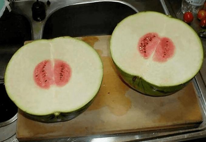 Buah Semangka yang besar, tapi isinya cuma seuprit.