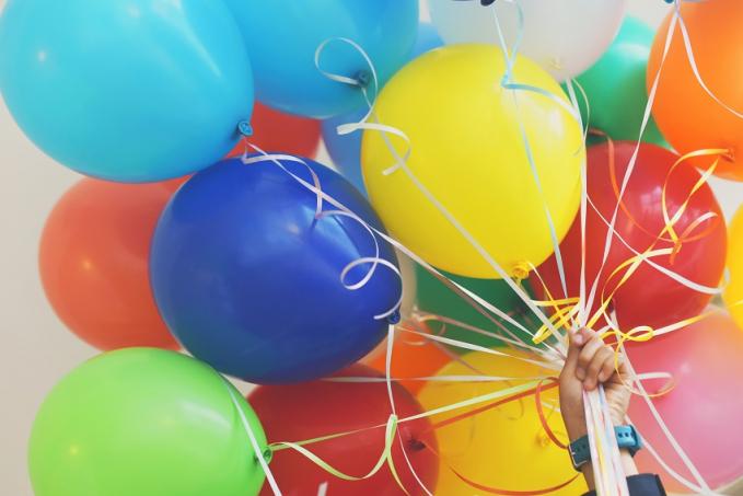 Kenapa yang meletus selalu balon hijau,bukan balon kuning ?