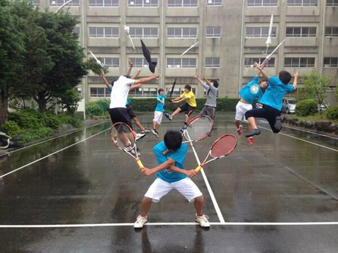 Wahhh tenis sambil kungfu
