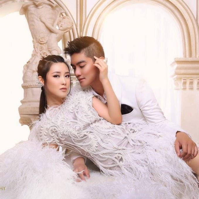Kira kira sudah pantas nggak ya jadi pengantin? Foto yang ini nih yang bikin baper, kayak foto pengantin ya..Meskipun digosipkan dengan banyak artis cewek namun boy adalah cowok yang setia lho..