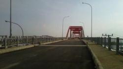 4 Cerita Jembatan Paling Angker di Indonesia yang Bikin Bulu Kudukmu Merinding