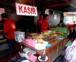 4 Rumah Makan Ini Menjadi Favorit Jokowi. Nyobain Yuk !