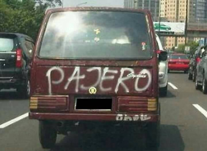 Kalau kata orang Jawa, Pajero ini 'panas njobo njero' alias panas luar dalam kalau naik mobil ini sob.