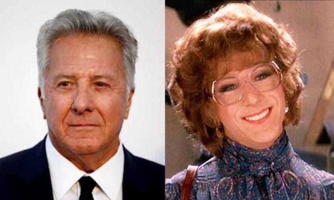 Dustin Hoffman Dustin Hoffman juga pernah merasakan peran beda gender. Dustin mengubah penampilannya menjadi seorang cewek dalam film Tootsie(1982). Nggak nyangka perannya tersebut membuat dia masuk nominasi oscar untuk kategori aktor terbaik.