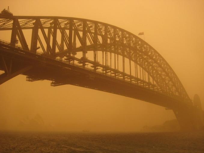 Saat suasana seperti di film Mad Max menjadi kenyataan Ini adalah fenomena badai debu yang terjadi di Australia dan menyebar sepanjang 600 mil atau 965,6 km.