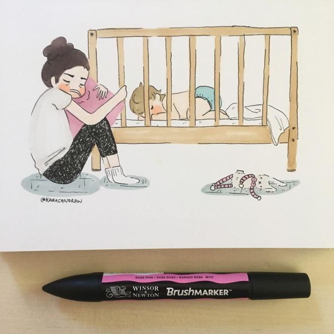 Ibu rela tidur di bawah asal buah hatinya bisa tidur nyenyak di atas kasur.