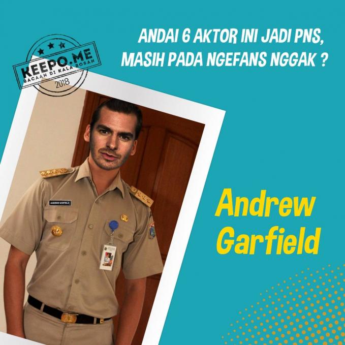 Mirip sosok kepala sekolah nih bung Andrew Garfield. Gimana Pulsker, cocok nggak mereka jadi PNS kalau di Indonesia?