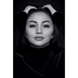 6 Seleb Wanita Tanah Air ini Dijuluki Pemilik Bibir Sensual Menggoda Banget. Bikin Kaum Pria Nggak Kuat