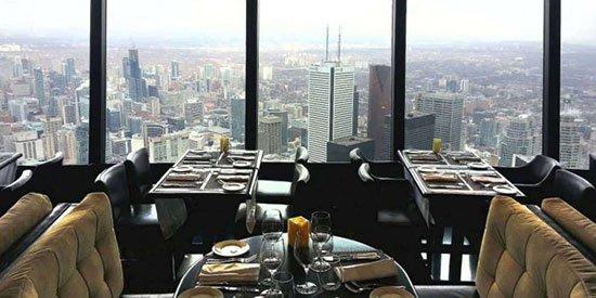 360 Restaurant ( Kanad) Memiliki reputasi sebagai salah satu restauran terbaik di Toronta, Kanada 360 Restaurat juga menawarkan pemandangan kota dari sudit yang berbeda beda. Pasalnya restaurant ini memang dapat diputar hingga 360 derajat. Lokasinya sendiri berada di CN Tower yang merupakan menara tertinggi di belahan bumi bagian barat pada ketinggian 350,82 meter.