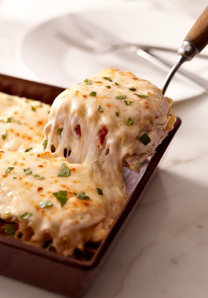 Lasagna mozzarella juga cocok banget.