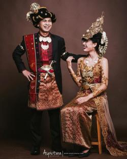 Klasik Abis. Begini Foto Prewedding 9 Pasangan Seleb Bergaya Tradisional. Seru!!