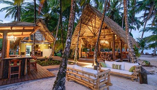 Nacaragua :Calala Island Pulau ini merupakan perwujudan pesona Karibia yang tersembunyi karena menawarkan pantai yang tenang dan murni untuk dinikmati. Dirancang oleh arsitek terkemuka Matthew Falkiner, Calala Island menggunakan perabotan buatan dari pengrajin terbaik lokal dalam pembuatan kamar kamar.