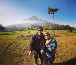 5 Selebriti Indonesia Ini Super Kaya Raya Tapi Nggak Malu Untuk Gaya Hidup Sederhana