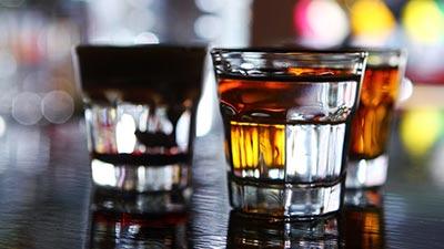 Dengan Meminum Alkohol