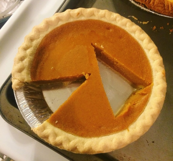 Gregetan nggak sih kalau kue Pie ini dipotong nggak sesuai dengan yang semestinya?