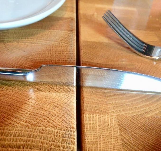Pisau utuh atau pisau terbelah? Coba lihat sekali lagi.