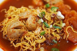 Sedapnya Bikin Ngiler Akut. 10 Makanan yang Pas Dimakan Saat Hujan Datang