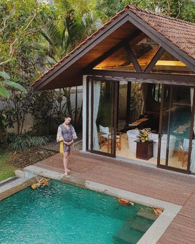 Menikmati salah satu resort di sekitar Borobudur baik untuk ibu hamil, harus santai dan nyaman.