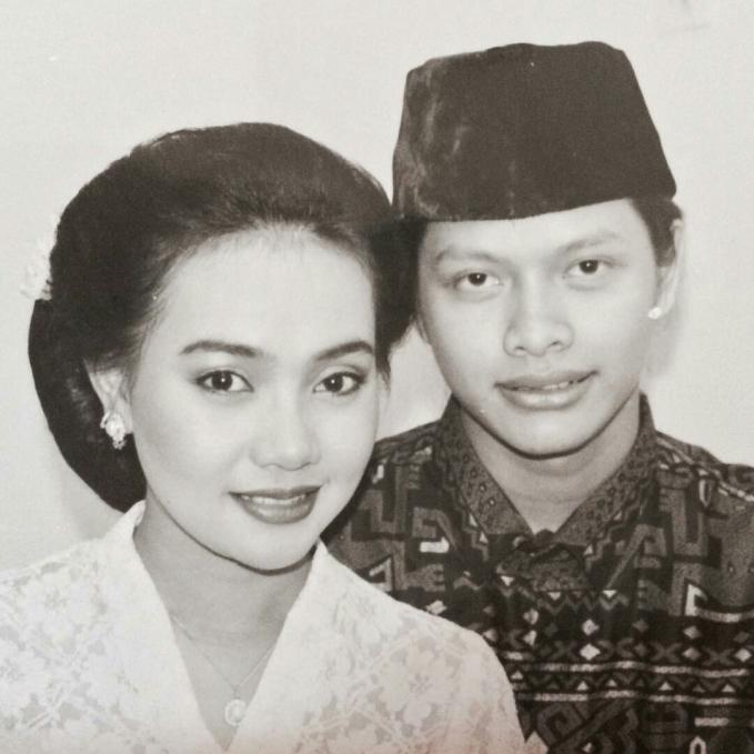 Armand Maulana dan Dewi Gita ini Vintage banget, pasti sakral banget suasananya, dan mereka langgeng sampai sekarang.