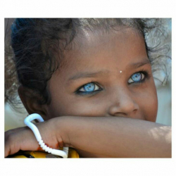 Indah Luar Biasa. 10 Mata Tercantik di Seluruh Dunia. Seakan Menghipnotis
