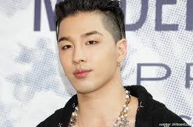 Taeyang - Mantan anggota boy grup Big Bang yang suaranya tidak diragukan lagi kini merambah bisnis real estate yang membuatnya memiliki kekayaan 10 Juta Dolar AS