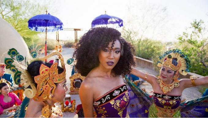 Bali : Beats of Paradise Pada November 2018, ada sebuah filmm yang bertemakan gamelan Bali. Film garapan Livi Zheng tersebut ternyata berhasil tayang di acara Academy of Motion Picture Art and Sciences, Samuel Goldwynd Theater, tepatnya di Beverly Hills Amerika Serikat. Setelah tayang perdana di acara tersebut, Bali : Beats of Paradise juga telah diputar di bioskop bioskop Amerika Serikat pada tanggal 16 November 2018.