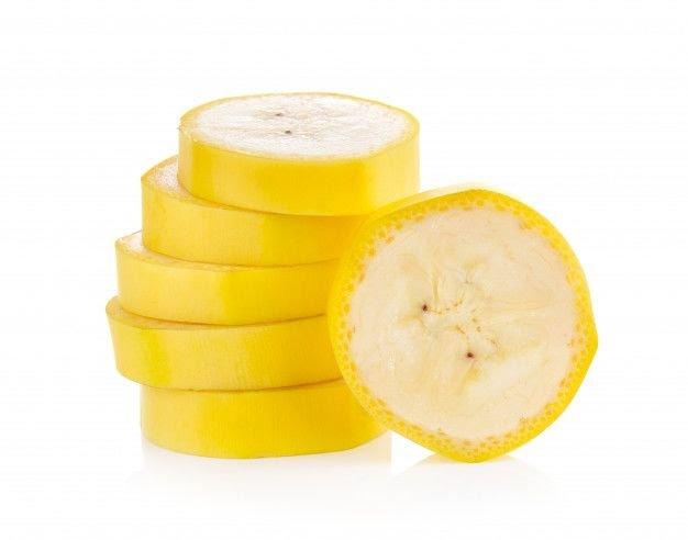 Pisang Kandungan nutrisi yang terdapat dalam pisang dapat melawan penyebab keriput. Dengan menghancurkan dua buah pisang dan buat seperti pasta kamu bisa mengaplikasikan ke wajah, diamkan setengah jam lalu bilas dengan air hangat. Untuk hasil yang lebih maksimal kamu bisa mencampurnya dengan madu atau alpukat.