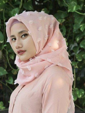 Hijab Detail Bulu