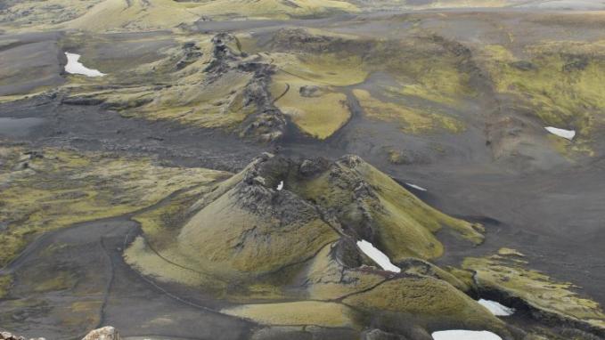 Gunung Laki di Islandia yang berakibat pada perubahan iklim, sehingga terjadi gagal panen dan banyak orang kelaparan yang terjadi pada tahun 1783