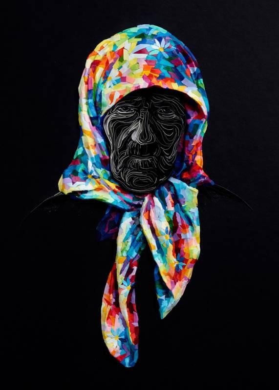 Atau nenek yang sedang mengenakan kerudung warna-warni seperti ini.