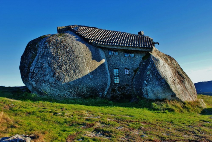 Rumah Batu