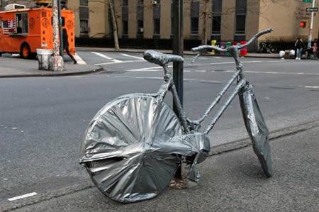 Saking sayangnya sama sepeda, nggak boleh kotor sedikitpun. Itu gimana gowesnya ya?.