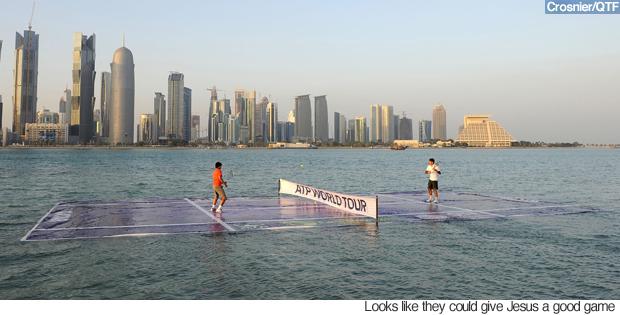Lapangan Tenis Terapung, Doha Lapangan tenis terapung di laut Doha ini sempat menyita perhatian dunia pada tahun 2012. Bahkan beberapa pemain tenis terkenal dunia pernah mencobanya.