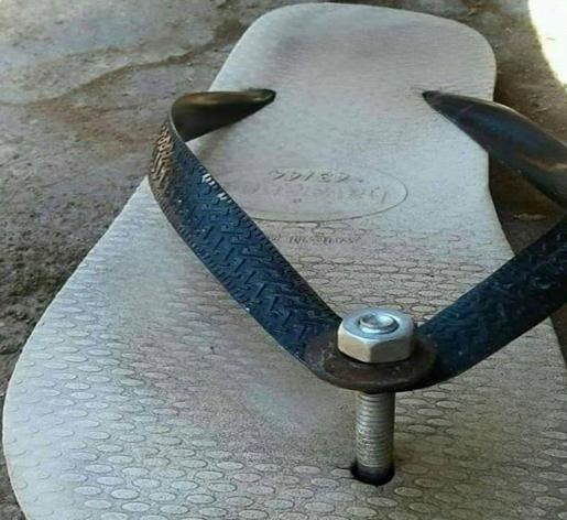 Kira - kira nggak sakit jari kakinya jika make sandal ini.