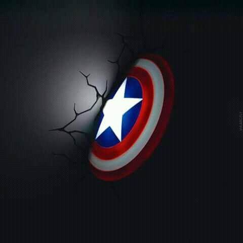 Jangan ngaku pecinta karakter Captain America sejati kalau belum punya lampu senjata pamungkasnya yang keren gini.
