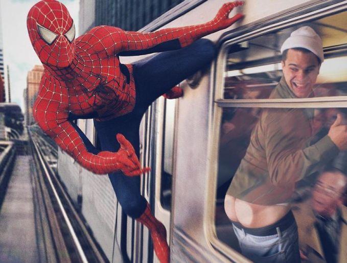 Untung aja diingetin sama si Spiderman. Kalau nggak bisa lupa sampai stasiun tuh orang.