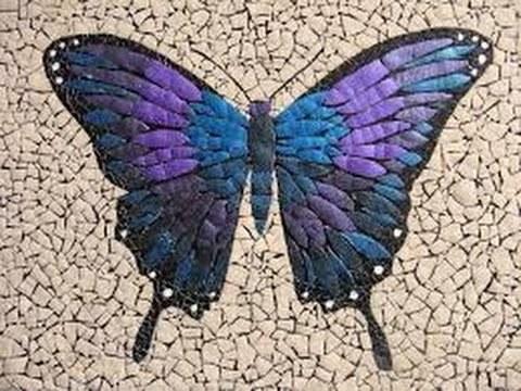 Mozaik dari kulit telur Mozaik juga kerap dijadikan bentuk kerajinan dari beragam barang bekas. Dan cangkang telur pun bisa dikreasikan menjadi hiasan mozaik yang menarik. Patahan-patahan kecil kulit telur memberikan ciri khas tersendiri dalam mozaik yang terbentuk. Tampialnnya terlihat eksotis.