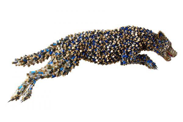 Layaknya seekor jaguar yang sedang melompat.