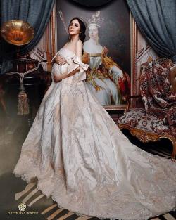 """7 Selebriti yang Memilih Tema """"Princess"""" Untuk Maternity Foto Ini Anggun Banget"""